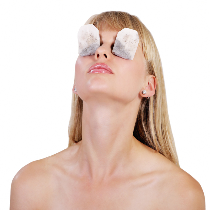 glossymorning_tea bag therapy for tired puffy eyes