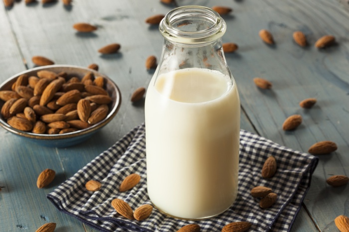 glossymorning-healthy-nuts-milk
